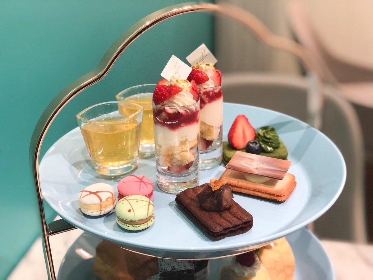 東京カンパネラカフェ@東京 爽やかなラムネカラーでかわいいカフェ。豪華な3段アフタヌーンティーは自分へのご褒美に🍓ドリンク付きで2500円なのもうれしい〜!今日もお疲れ様でした🤗✨