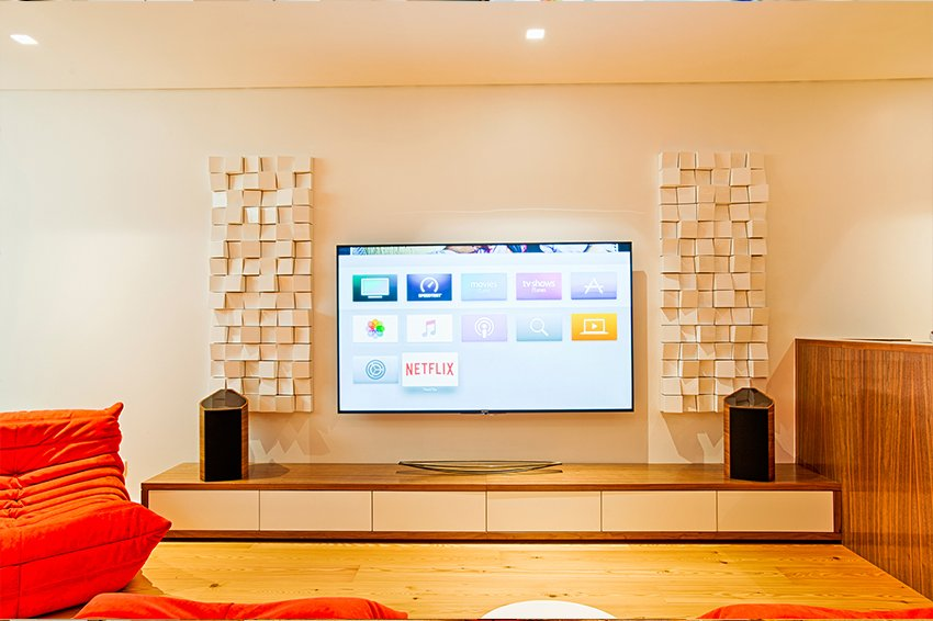 """Vicoustic on Twitter: """"Life Emotions won the international prize for the  """"Best Media Room Level II"""" at CEDIA AWARDS 2017. This fantastic room was  design to play music and watch football and"""