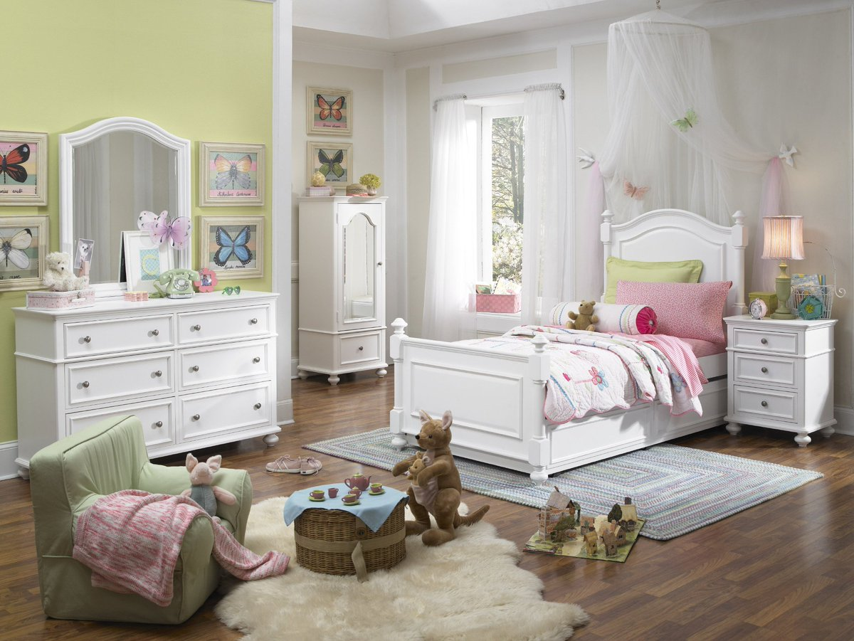... A Classic Design Sure To Transition Well Through Your Childu0027s Growing  Faces. Shop It Now At #MealeysFurniture #LittleDivapic.twitter.com /PeRc4dalLU