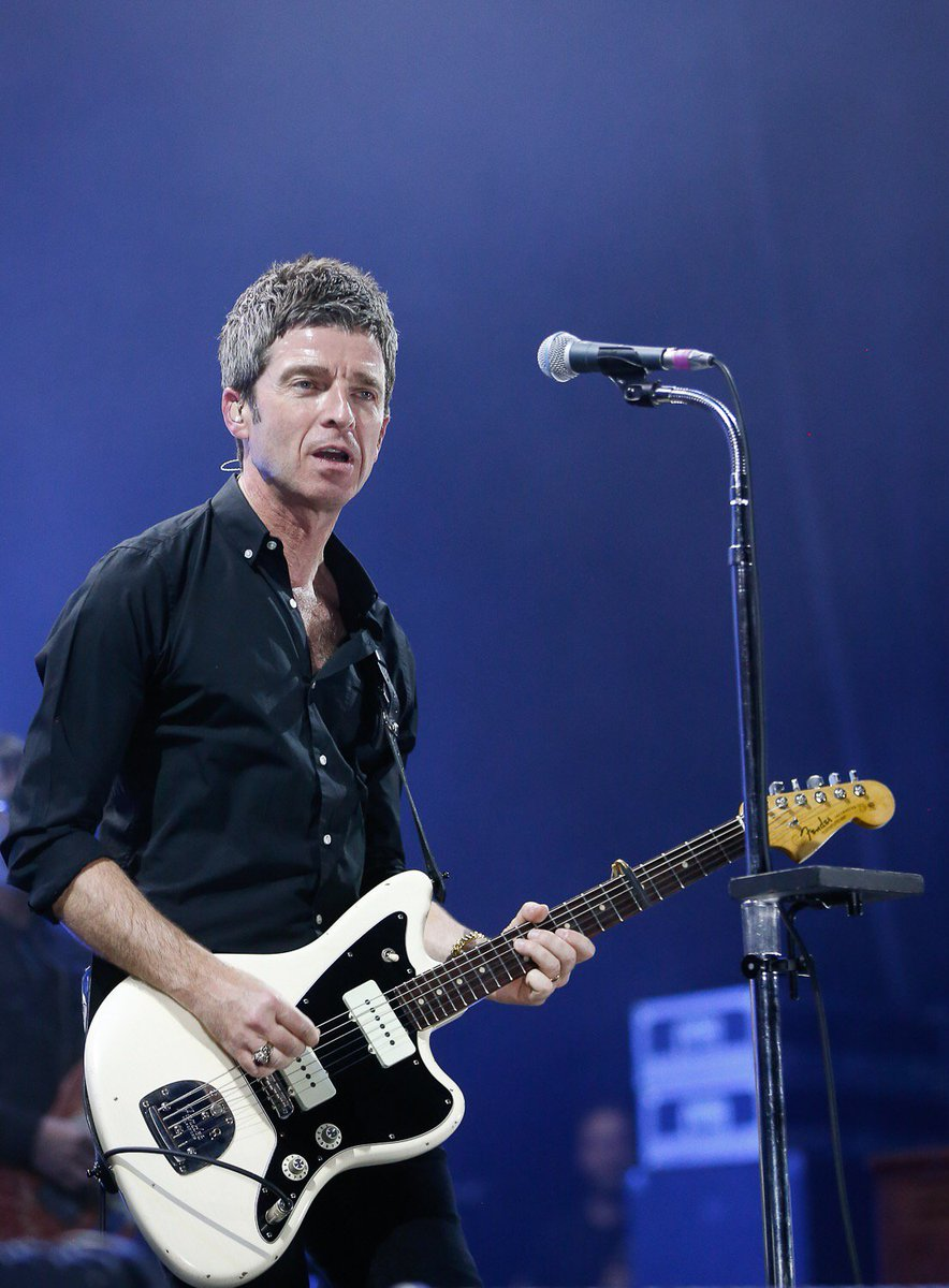Noel Gallagher Jazzmaster.Noel Gallagher On Twitter 5 9 Backstage And Gig Photos