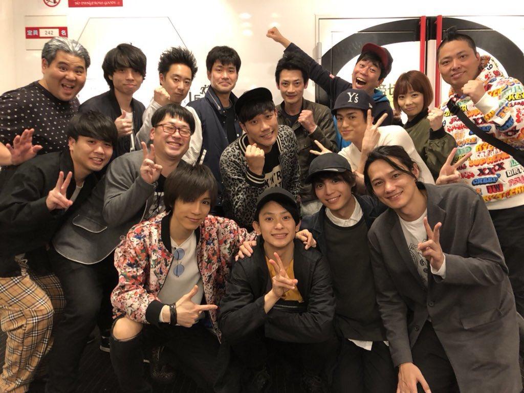 そして今日のゲストは  橋本祥平くん!!!  いやぁ、めっちゃ完璧でほんっとに凄かった(>_<) 尊敬するわぁ。  チーム・第二王子  で撮りました♫  祥平くん、ありがとう!!  そして初日終えたみんなで( ´_ゝ`)