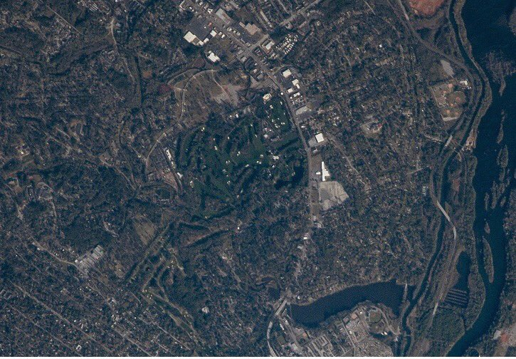 One of my favorite places on Earth - Augusta National Golf Club. Nothing like the deep green grass and pure white sand. I took this pic a year ago from @Space_Station @NASA @TheMasters @PGATOUR #themasters #NASA #heavenonearth