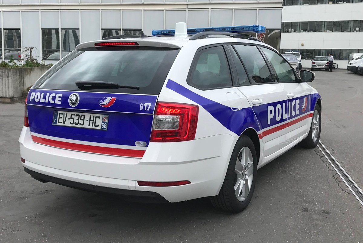 Skoda au service de la police - Page 6 DaChuIXXUAEAH1i