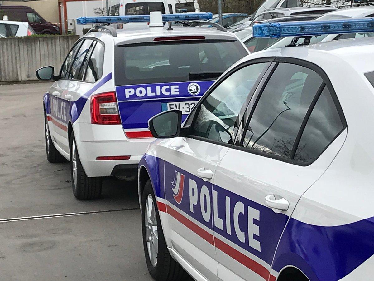 Skoda au service de la police - Page 6 DaChuIcWkAE83Ks