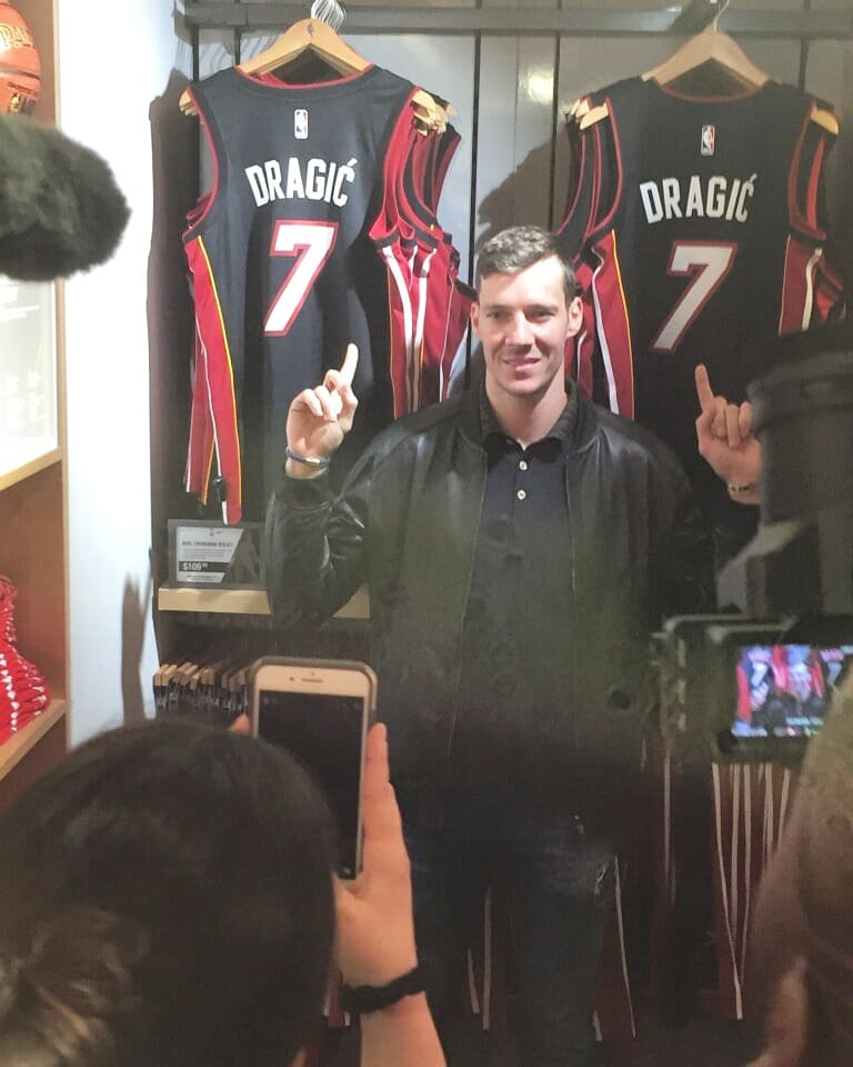 Goran Dragic visiting the  NBAStore to meet with fans pic.twitter .com hao2FLdwRy b39fd2c6b