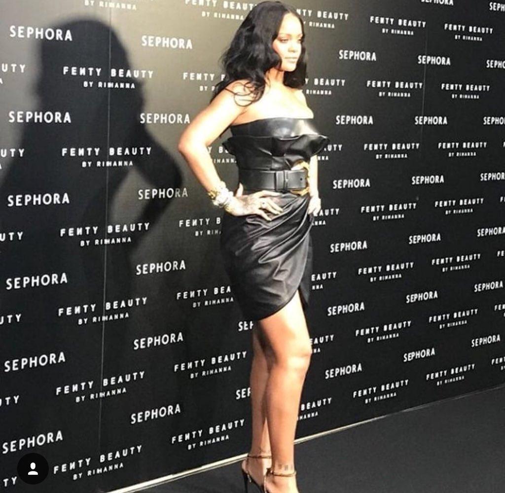 Rihanna has arrived! ���� https://t.co/5W38yyYb22
