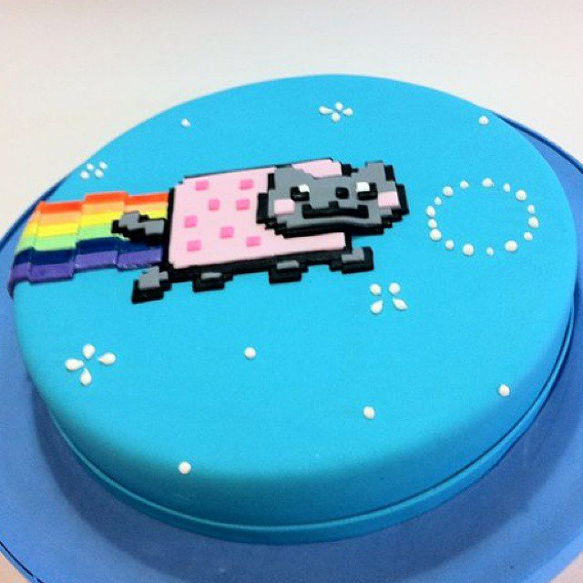 #HappyBirthdayNyanCat https://t.co/IA9lBsHnw3