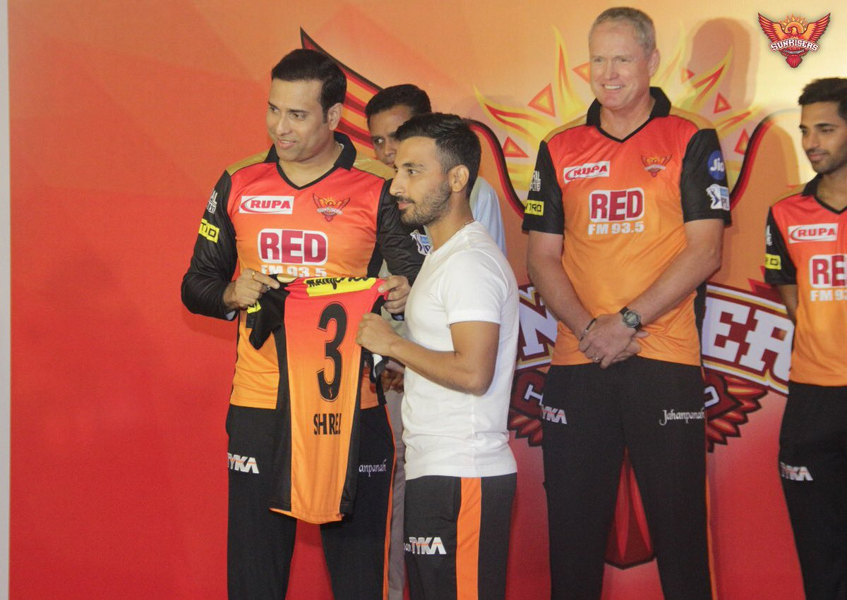 """Shreevats goswami on Twitter: """"It was indeed a special moment for me to  receive the @SunRisers jersey from none other than @VVSLaxman281 sir whom I  admire and respect so much . Thank"""