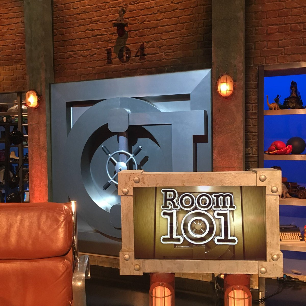 Room 101 (@Room101_Hat)