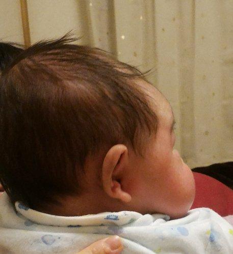 息子が誕生して分かった事は、クレヨンしんちゃんの顔の形は案外存在するんだと言う事。 #クレヨンしんちゃん #しんちゃん #赤ちゃん #息子
