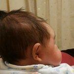 ほんとにこんな横顔あったんだwクレヨンしんちゃんみたいな横顔の赤ちゃんが可愛すぎるw