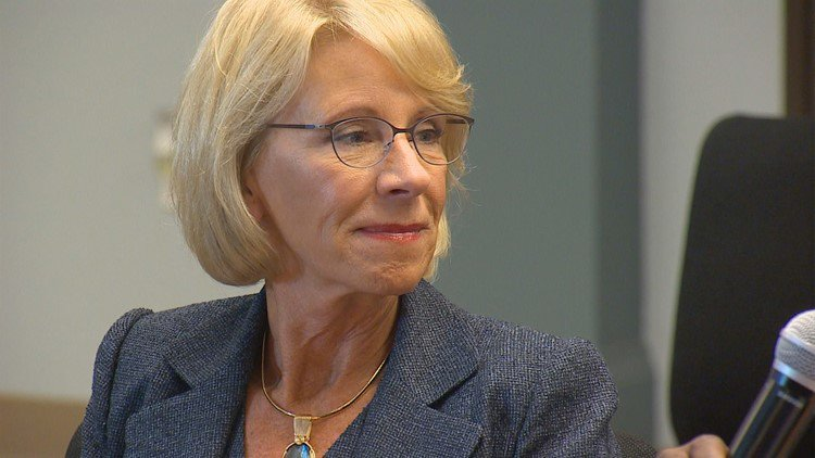 Image result for Controversial education secretary meets with Dallas champions for public schools