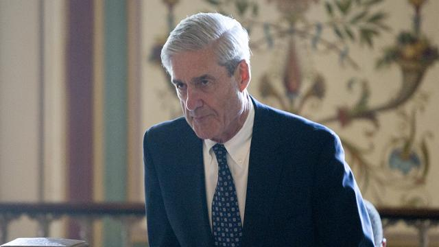 Filing reveals Mueller seized three bank accounts a day before indicting Manafort https://t.co/bs9ipfBrl4 https://t.co/A0RdpcaLFB
