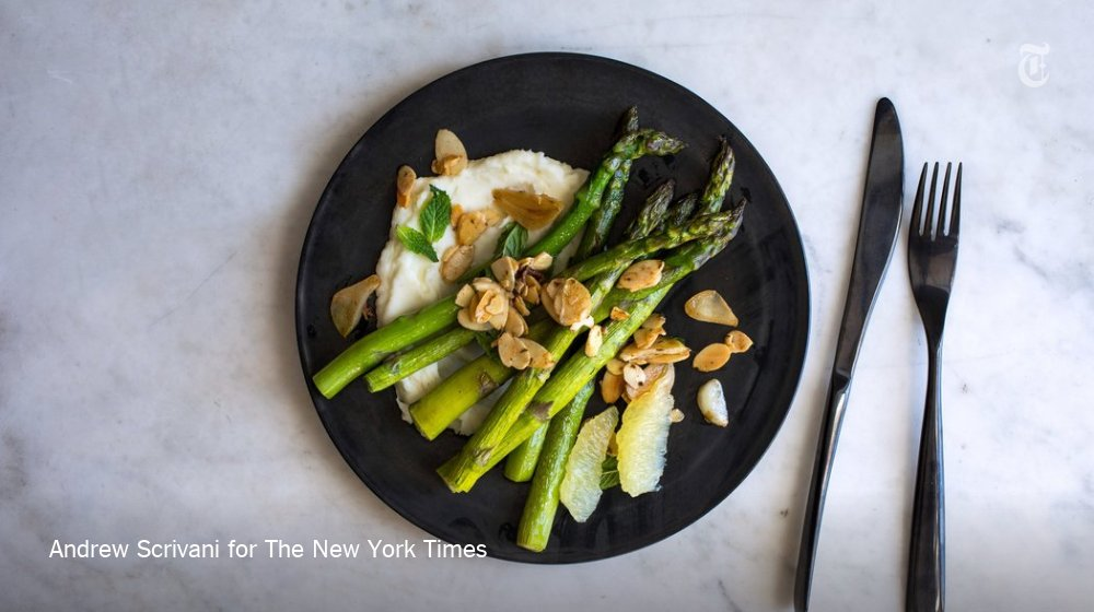 Two fresh new recipes for asparagus from @ottolenghi this week @nytfood https://t.co/L4qbM55Sq7 https://t.co/qlxAnd4g0G