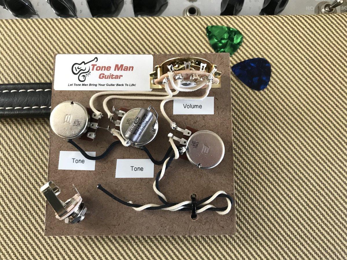 Tone Man Guitar Tonemanguitar Twitter Strat Wiring 2 Caps Just Finished Up A Premium Prebuilt Kit True Vintage 50s Cloth Bourns Audio Taper Pots With Pio Cap Come See Us Soon