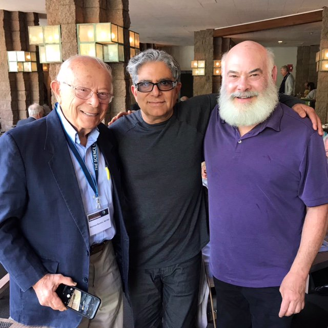 Happy Reunion with Seymour Reichlin, MD PhD (my professor in Endocrinology who trained me, is now 94) and my dear friend @DrWeil