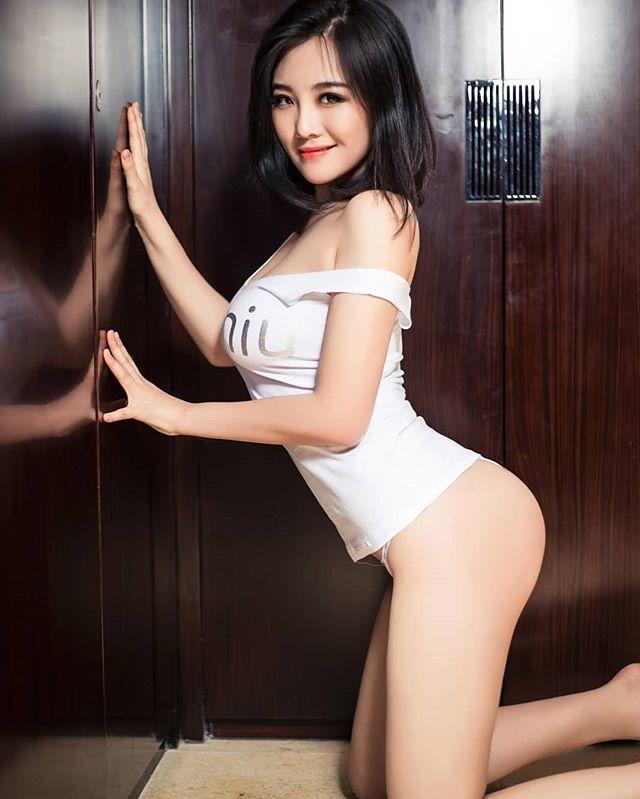Girls asian model