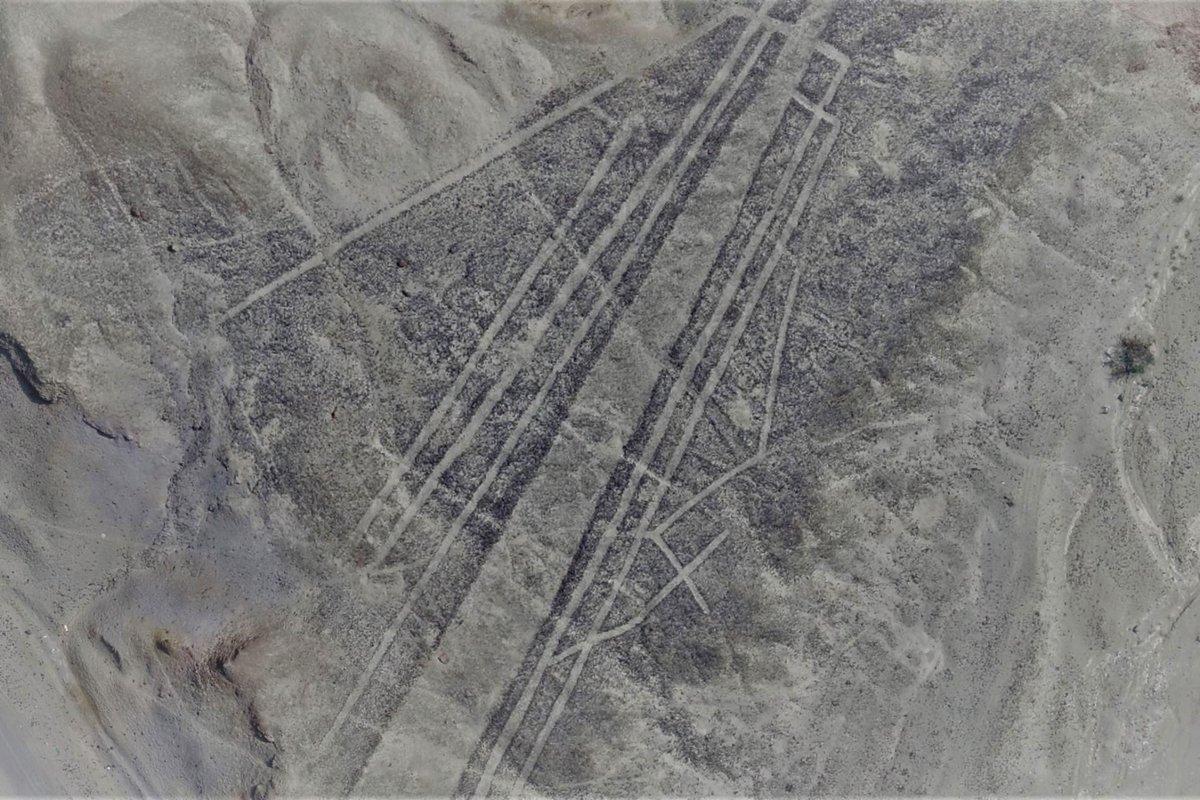 Risultati immagini per Massive Ancient Drawings Found in Peruvian Desert