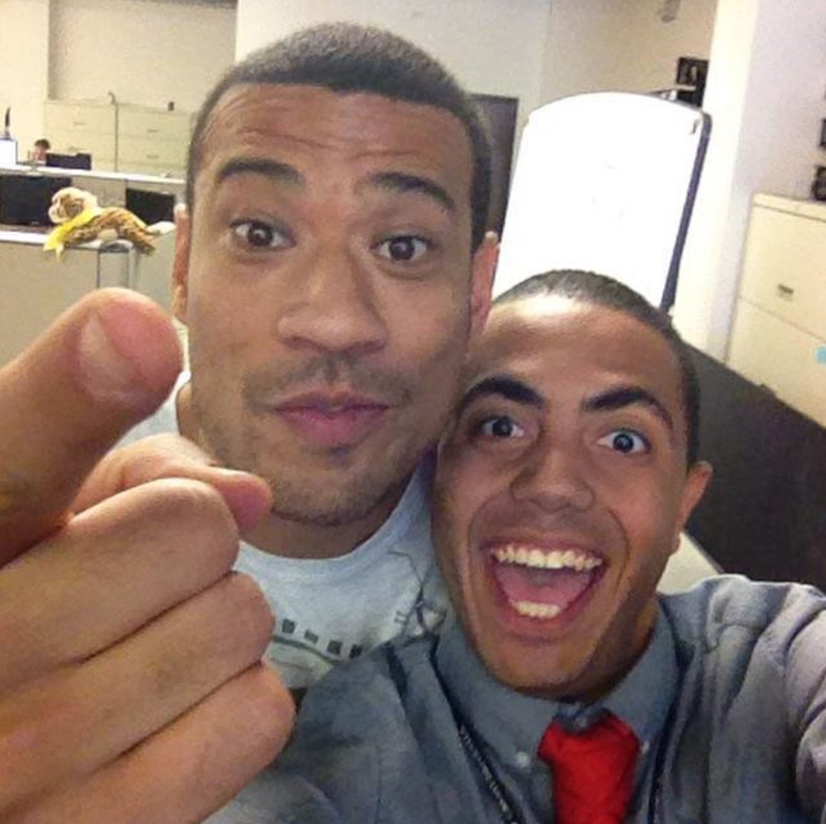 A #FBF to @TheInsider days in 2014 & it's also a #FridayFeeling because it's 1⃣ week until @MichaelYo's #Blasian comedy special on April 13, 2018 🗓️@AlexTheatre📍& WE can get 🆓 audience 🎟️ to join the occasion at http://MichaelYo.com ! 🤩 #YoBlasian