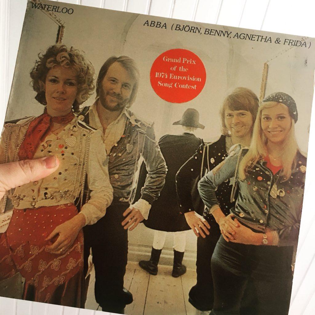 Idag är det exakt 44 år sedan ABBA vann Eurovision Song Contest. Jag såg programmet. Det är också exakt 44 år sedan Björn Skiffs blev 1:a på USA:s officiella hitlista med Hooked On a Feeling. #abba #waterloo #björnskiffs #billboard #esc #eurovision @WilliamLeeAdams pic.twitter.com/fCYN1GvYYF