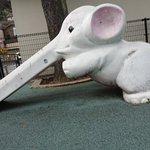 ゾウさんの滑り台がなんがグロいw気にしなければ問題ないはずなのに気になるw