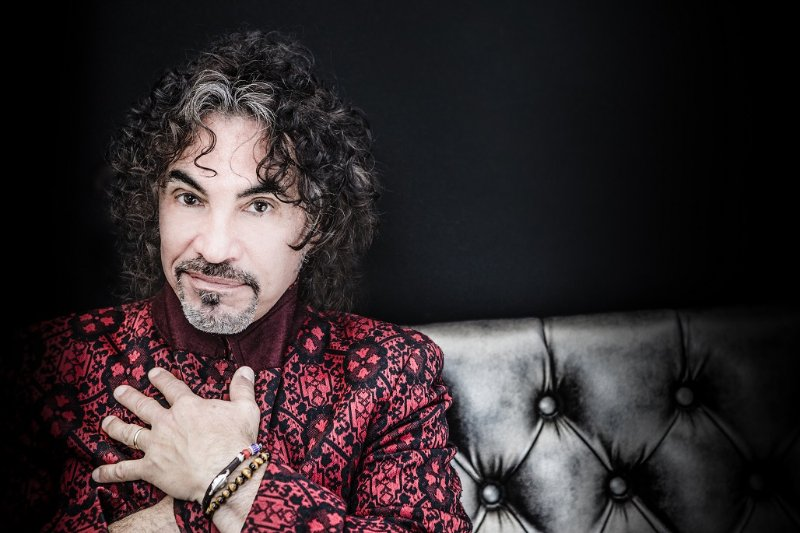 Happy Birthday, John Oates - See you with Daryl Hall & Train in June!