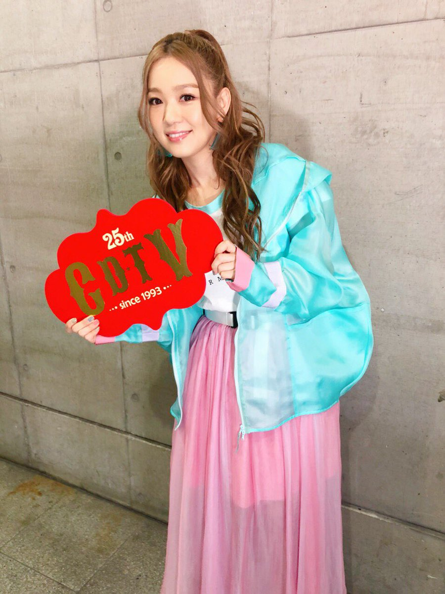 25thCDTV出演時の西野カナ