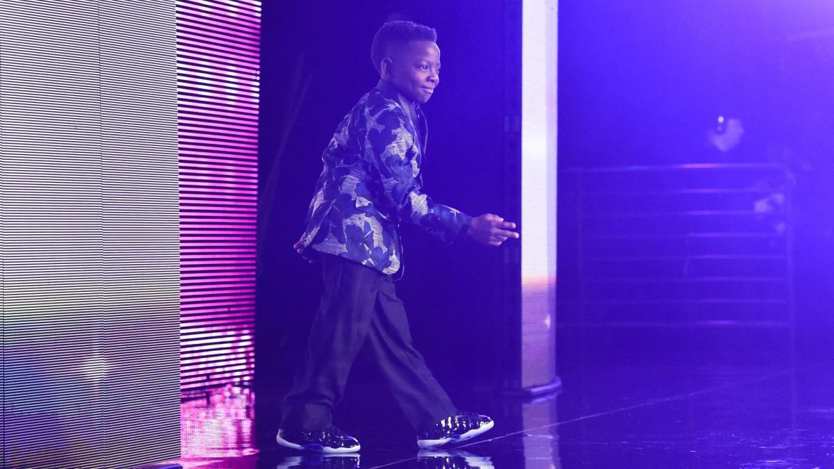 .@Jarrius lit up the room as he accepted the #WarriorAward at the 2018 #WWEHOF! wwe.com/shows/wwe-hall…