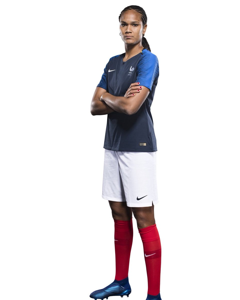 The 29-year old daughter of father (?) and mother(?) Wendie Renard in 2019 photo. Wendie Renard earned a 0.36 million dollar salary - leaving the net worth at  million in 2019
