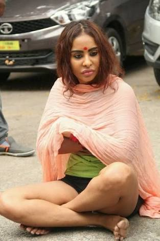 Bollywood Director comes in support of Sri Reddy who went on Nude Protests, But...