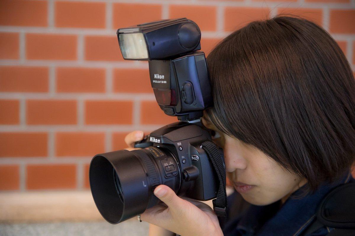 この画像で一番高いのはカメラ本体でもレンズでもなく上の光るやつ  #カメラ好き以外には理解不能そうな事