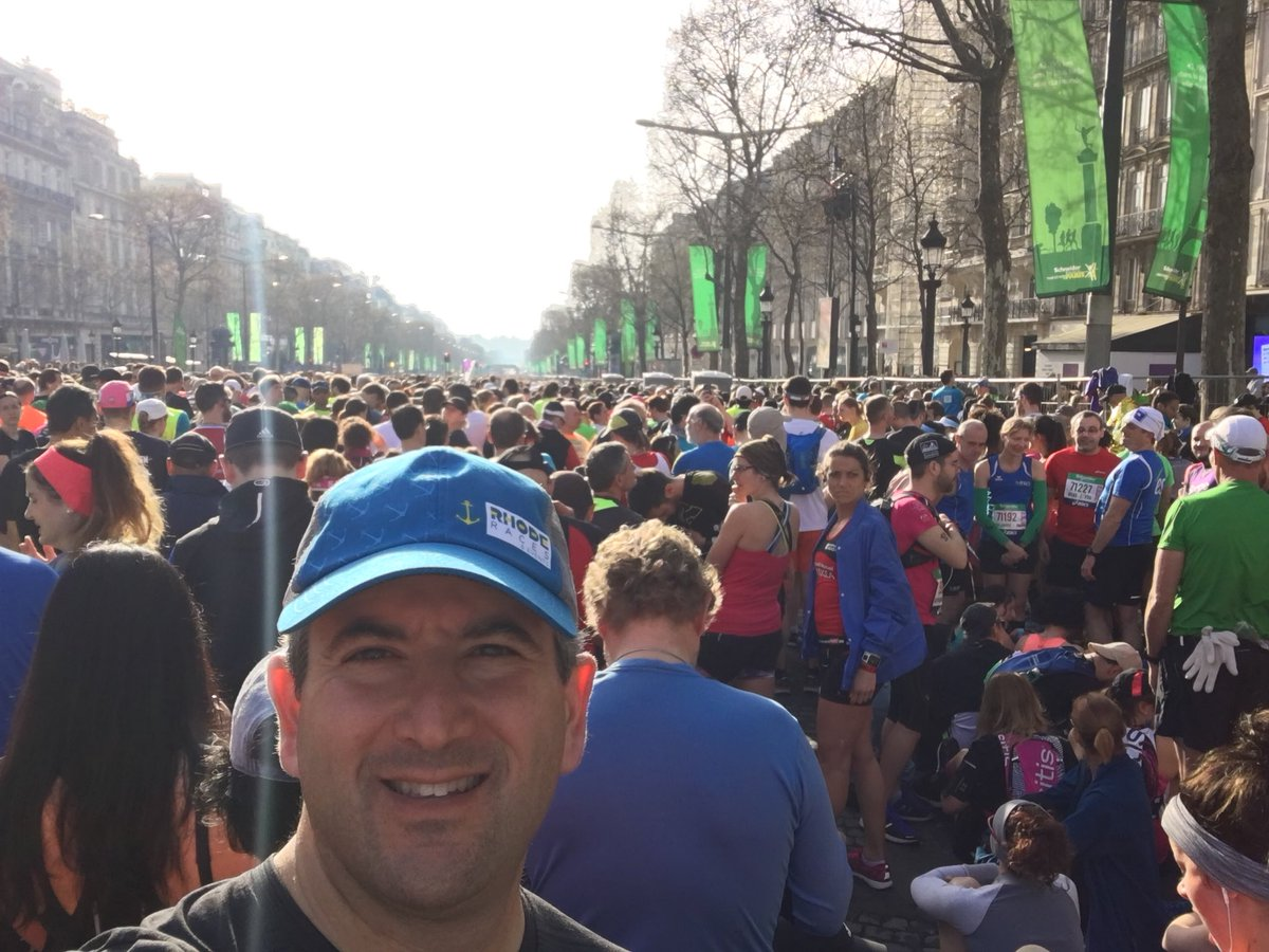 Avenue des Champs-Elysees never looked so good! @parismarathon