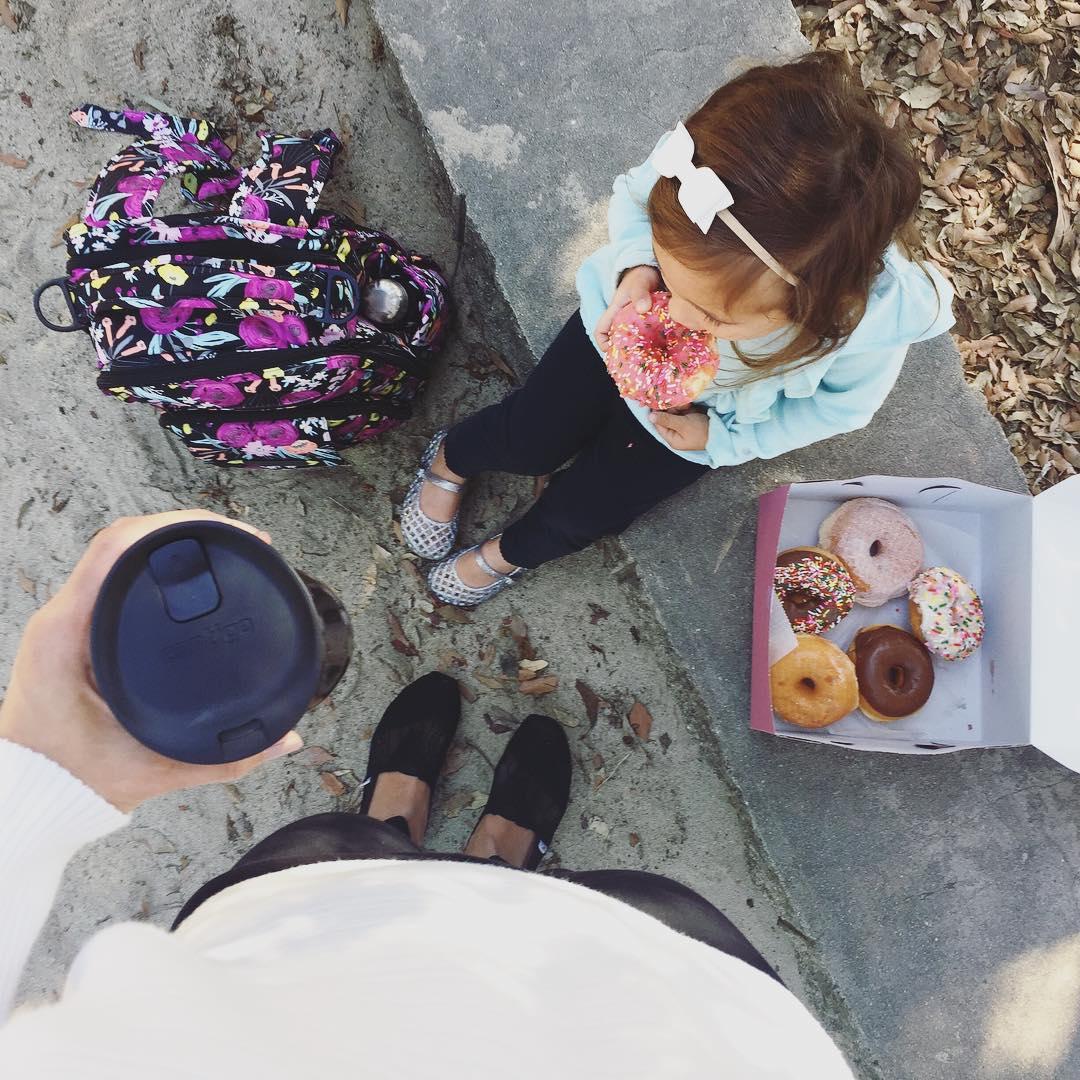 Sunday mornings are made for coffee and doughnuts.                                                                                           What's your perfect breakfast combo? #GoContigo #Contigo   📷: @onewhimsylane https://t.co/NM3Oa6aJfC