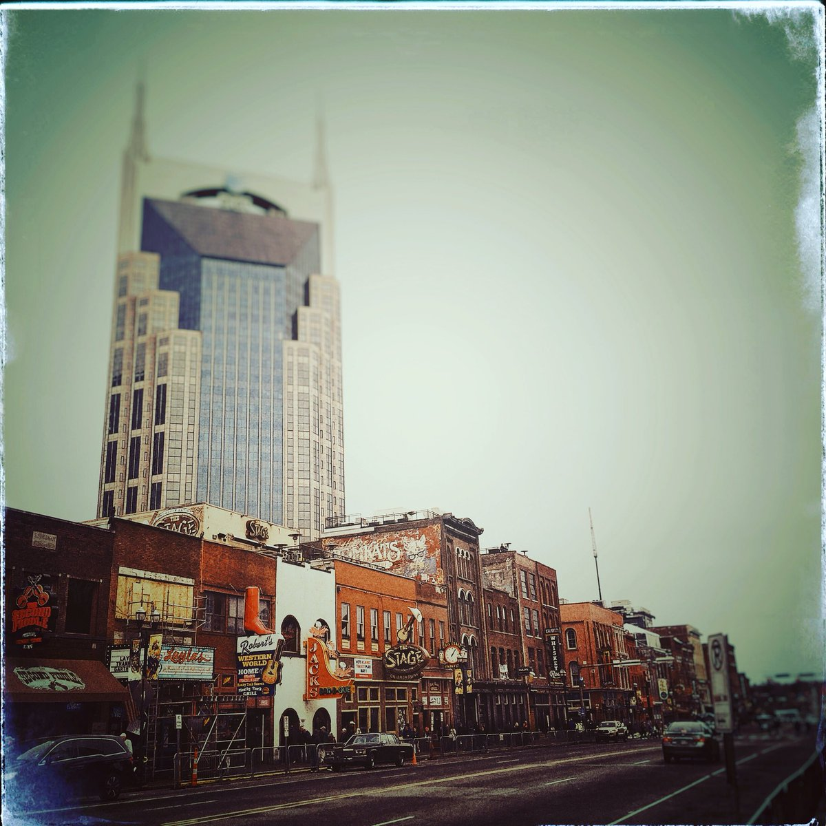 Doing the tourist thing in Nashville. Jx...