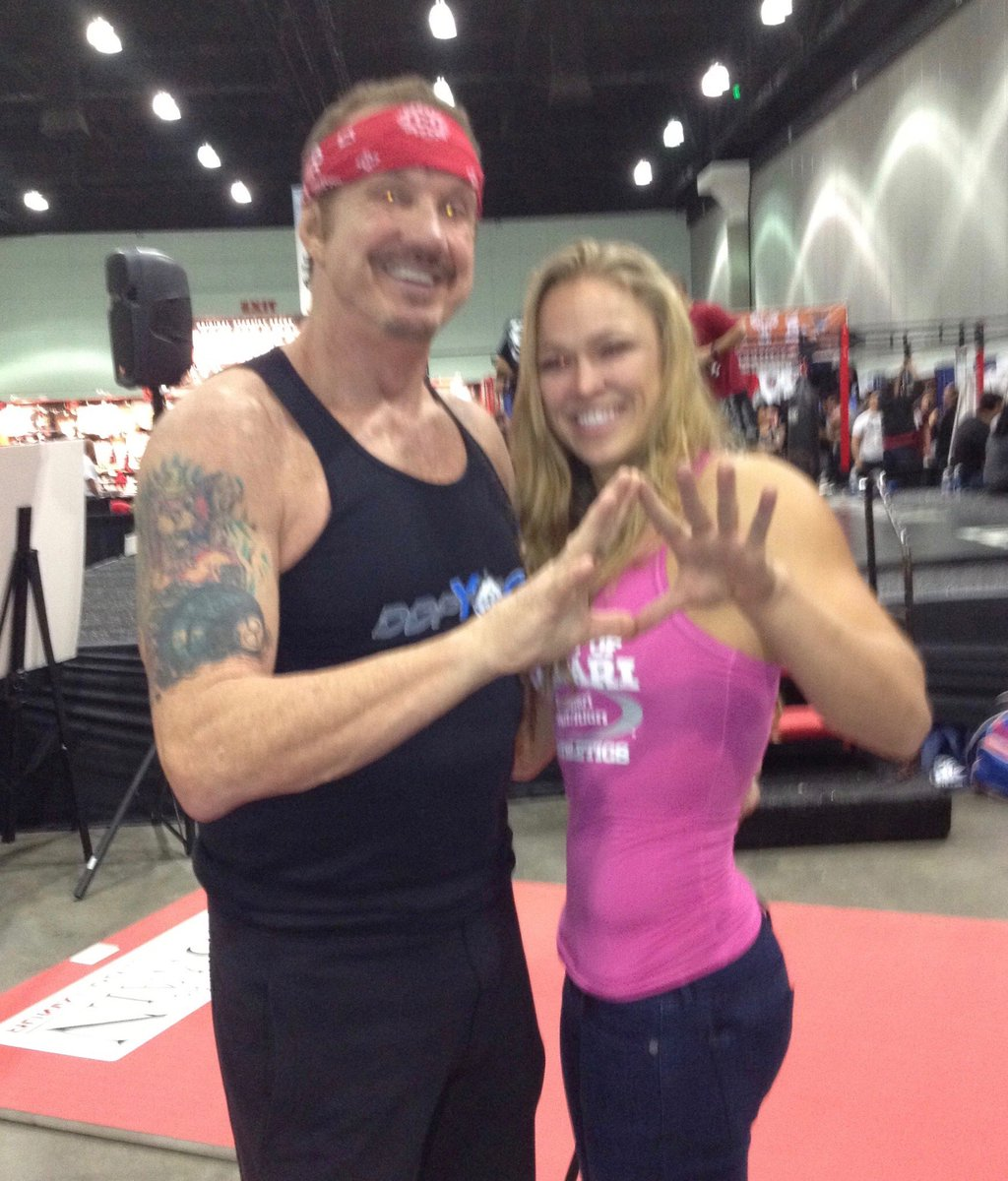 I've been telling @TMZ 4 months @RondaRousey was going to #OwnIT tonight at @WrestleMania I told you ALL she was a shinning Star⭐️ Great match fellow #WWEHOF @KurtAngleGGE @TripleH @StephMcMahon the PEOPLE were Going Crazy💥 This match gets 5/5 💎💎💎💎💎 @DDPYoga @RealDDP DDP
