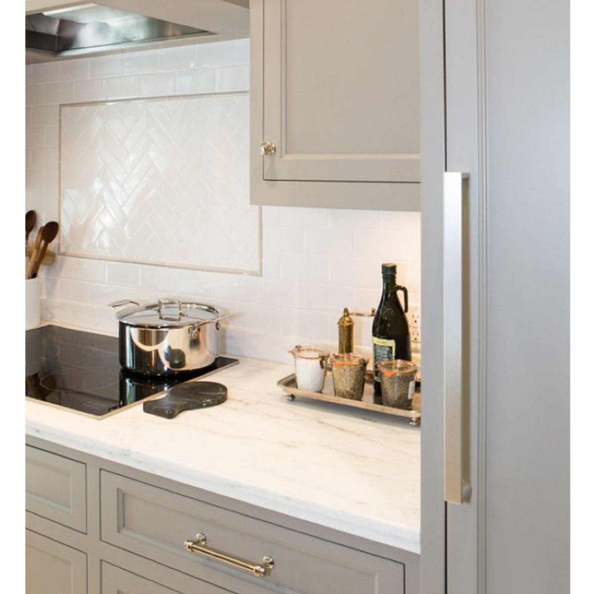 Budekespaints On Twitter Benjamin Moore River Reflections Is A Definite Trend For Your Kitchen Cabinets This Season Kitcheninspiration Designinspo Cabnietry Graykitchen Graycabinets Benjaminmoore Fellspoint Charmcity Baltimore Https T Co