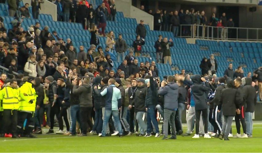 Malgré l'hommage qui doit être rendu à Samba Diop, la LFP a décidé de maintenir le huis clos total pour le match du Havre vendredi. Le HAC demandait la présence de la famille de Samba Diop et des tous les joueurs du club doyen. Demande refusée.....😤
