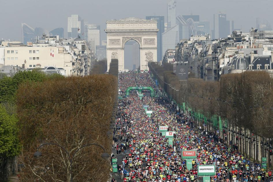 Today's top pics: Runners fill the Champs Elysees in Paris Marathon and more https://t.co/hqextm9NRT