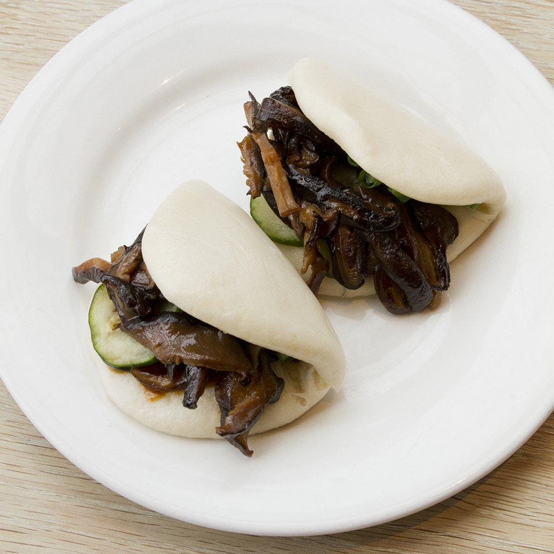 Momofuku On Twitter Hopping Onboard The Meatlessmonday Train With A Pair Of Shiitake Buns At Noodle Bar Toronto