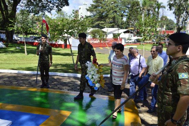 Há 53 anos o Tenente Carmargo, no estrito cumprimento de seu dever, dava sua vida em defesa da Nação e será sempre lembrado pelo Exército Brasileiro. https://t.co/B8wrGmwwCt
