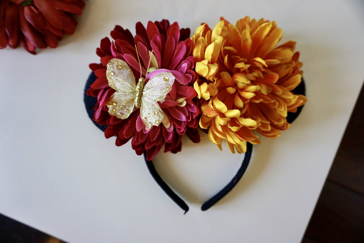 4728e00aaf9a4b DIY Minnie ears with interchangeable flowers on the blog. These ones were  inspired by Coco  pixarcoco  DisneyPixar  disneymoms  disneyDIY  pixardiy  ...