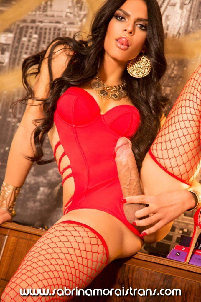Larissa love escort how to find local hookers skolioza centar