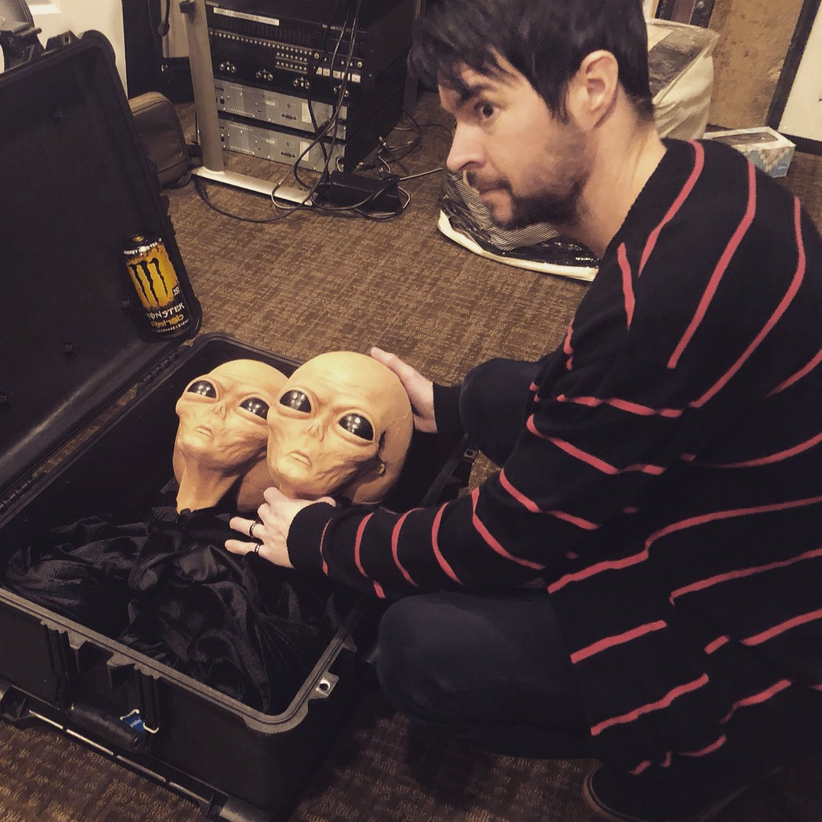Tucking in our Aliens, Allen and Steve, for their long trip to Arizona Bike Fest! They will see you there! @AzBikeWeek
