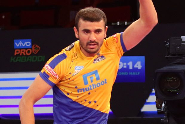 Home franchise #TamilThalaivas retained seasoned campaigner #AjayThakur, defender #AmitHooda and local lad #CArun ahead of the sixth edition of the #ProKabaddi League.  #PKL @ProKabaddi @tamilthalaivas