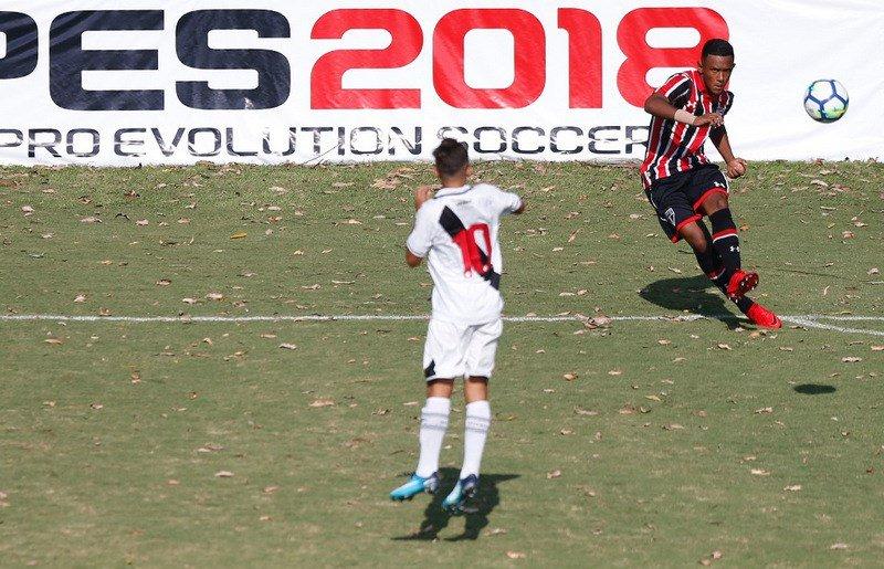 a06830a2fd Sub-15 goleia na estreia da Copa Nike  MadeInCotia 🇾🇪 https