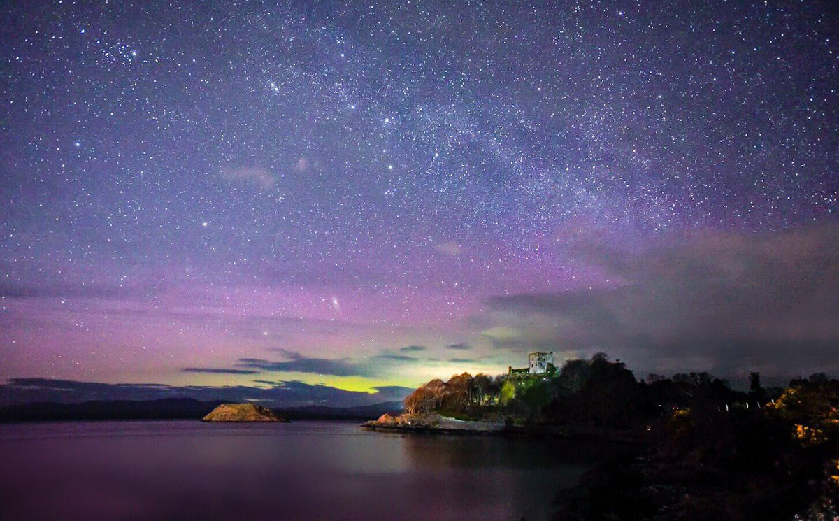 ... Aurora with the Milky Way & Andromeda also in view #Oban #StormHour  #MilkyWay #Aurora #Aurorawatch #Scotland  #wildaboutargyllpic.twitter.com/zD06EJdUX7