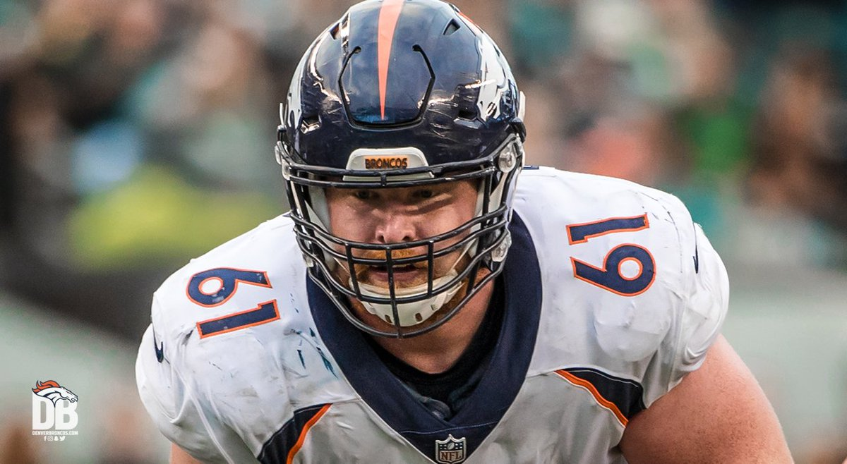 C Matt Paradis has played every possible snap in each of the three years he&#39;s been on our active roster (2015-17), the second-longest active streak in the @NFL <br>http://pic.twitter.com/CQNiMcFKkU