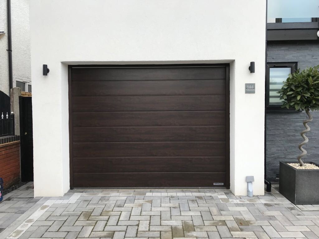 Lime BDS on Twitter \ Look at these matching hormann garage doors and entrance doors in night oak. Supplied and installed by @limebds. & Lime BDS on Twitter: \