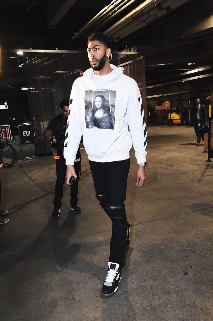 new concept 6bbff c2747 30e3c da766 reduced b r kicks on twitter anthony davis arrives with an  offwht hoodie and oregon air jordan