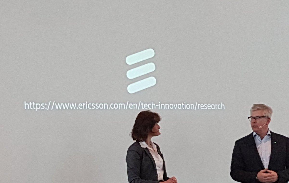 Börje Ekholm, CEO Ericsson,  thanks Sara Mazur for her great work. #ericssonresearch pic.twitter.com/pjyWuGqcvP